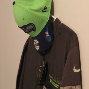 Nike Shield NFL Seahawks Half Zip Jacket Bundle